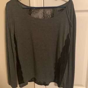 American eagle top with lace details